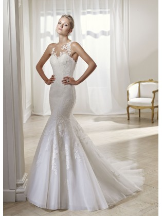 Wedding dress 17225