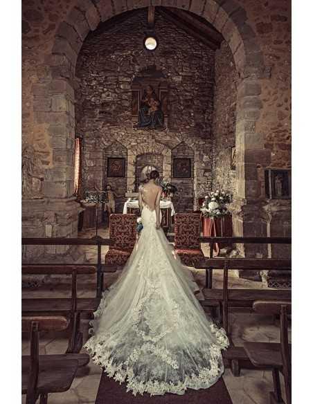 Wedding dress 1729 by Julia Kontogruni