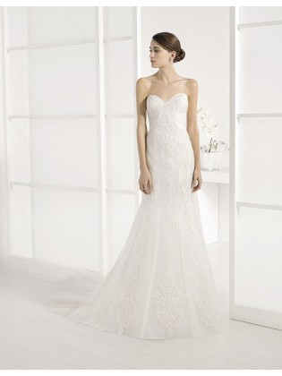 Wedding dress Jaro by Adriana alier