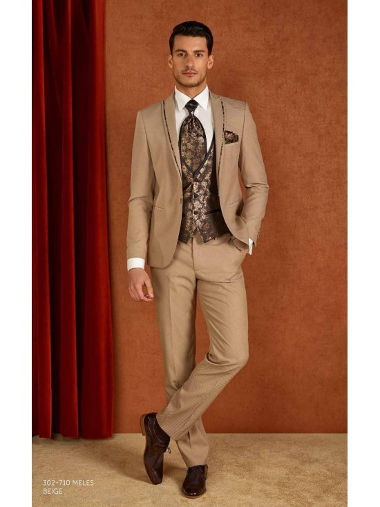 Groom suits  Meles beige