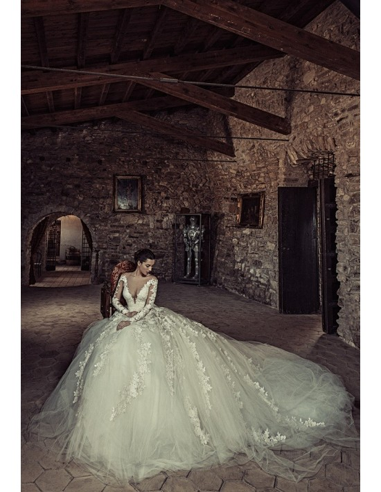Wedding dress 1735 by Julia Kontogruni