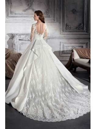 Wedding dress 881 by DEMETRIOS
