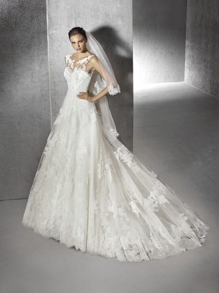 Wedding dress Zohana by San Patrick