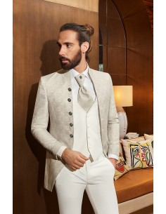 Groom suits Venise...