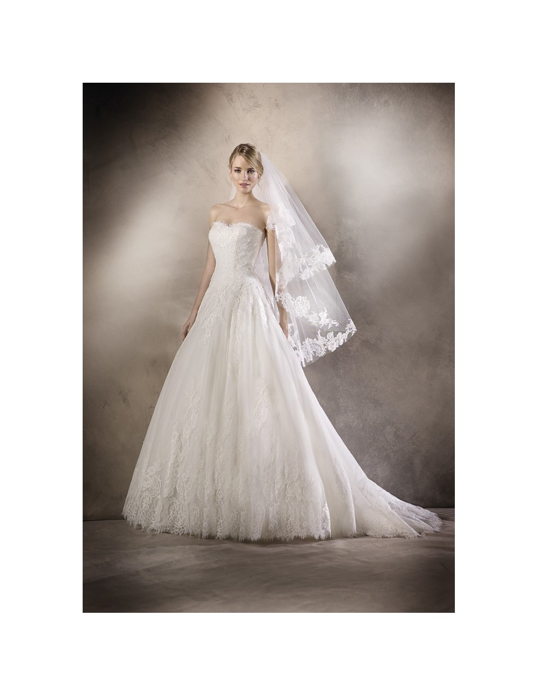 Wedding dress holiday la sposa 39 s model for La sposa wedding dresses